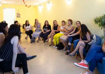 נשות עסקים בג'וב היווני