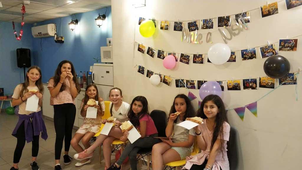 ימי הולדת בג'וב היווני בחיפה